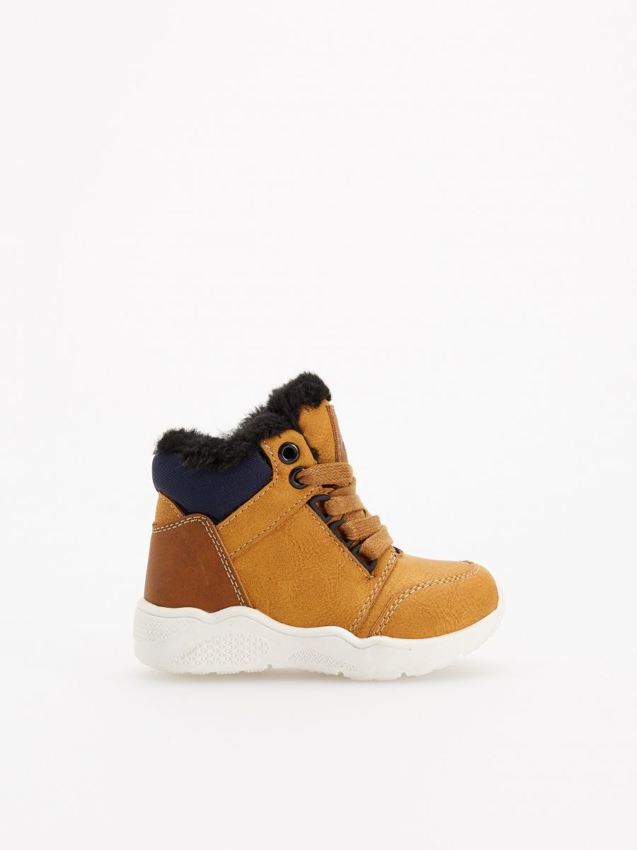 Buy online! Insulated ankle boots, RESERVED, VK632-18X