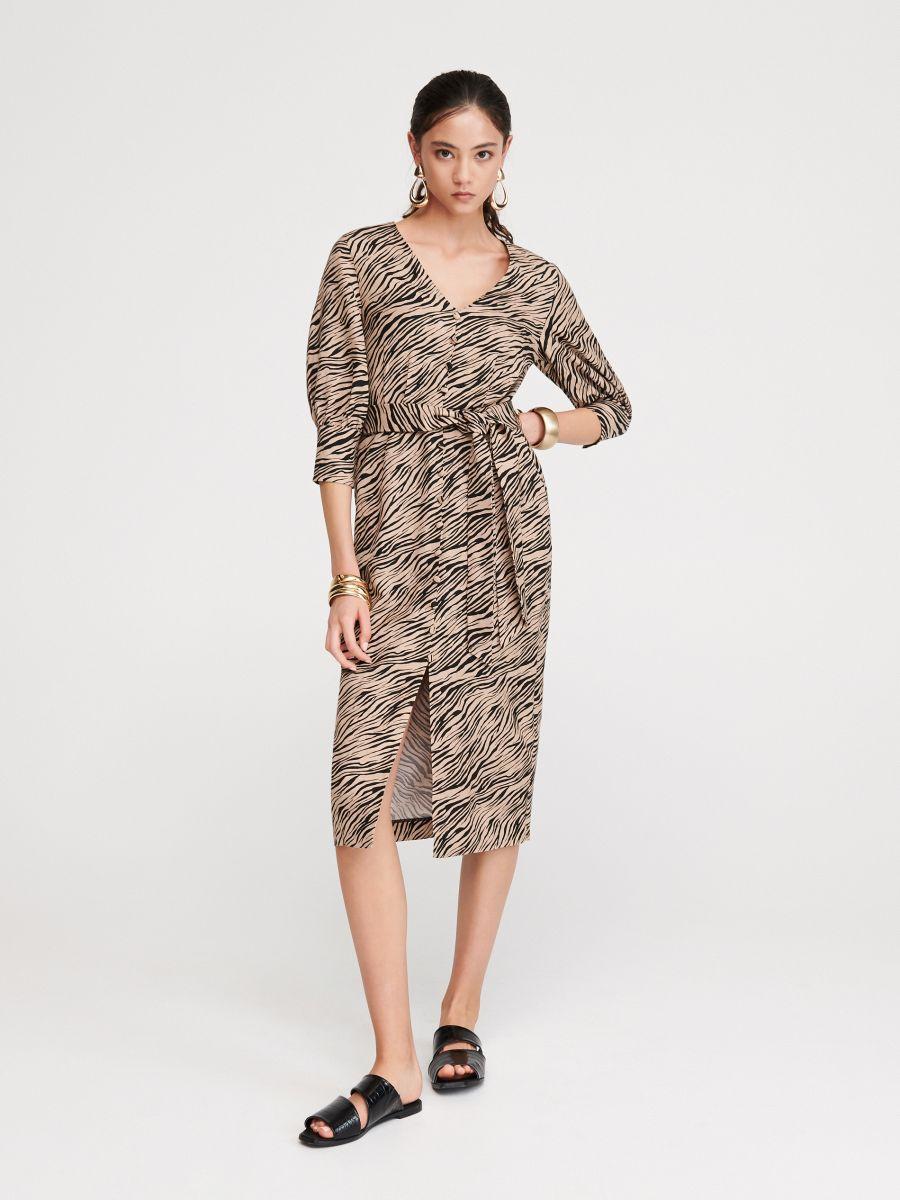 cb8310ef02 Vásárolj online! Tigriscsíkos mintázatú ruha, RESERVED, VU372-MLC
