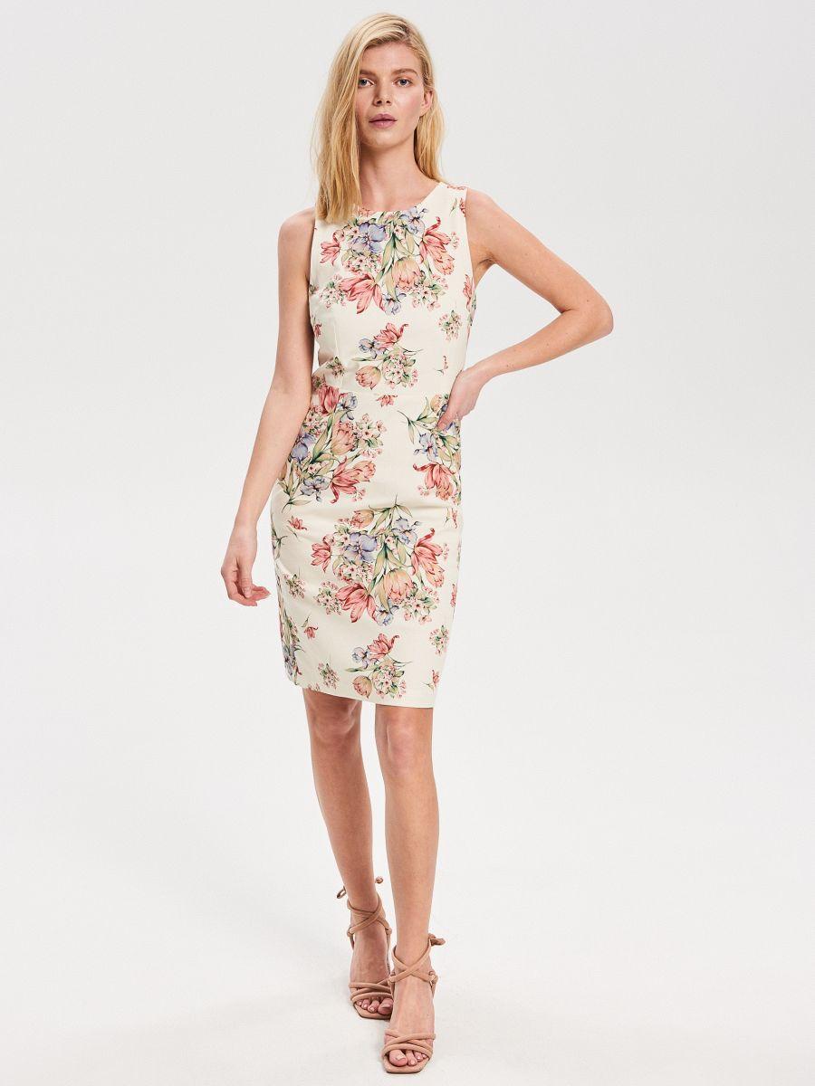 73eaac4f418b Nakupujte online! Kvetované šaty