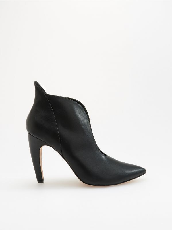 1a64e95fc2f1 Semišové čižmy · Členkové topánky s hlbokým výrezom - čierna - VH234-99X -  RESERVED