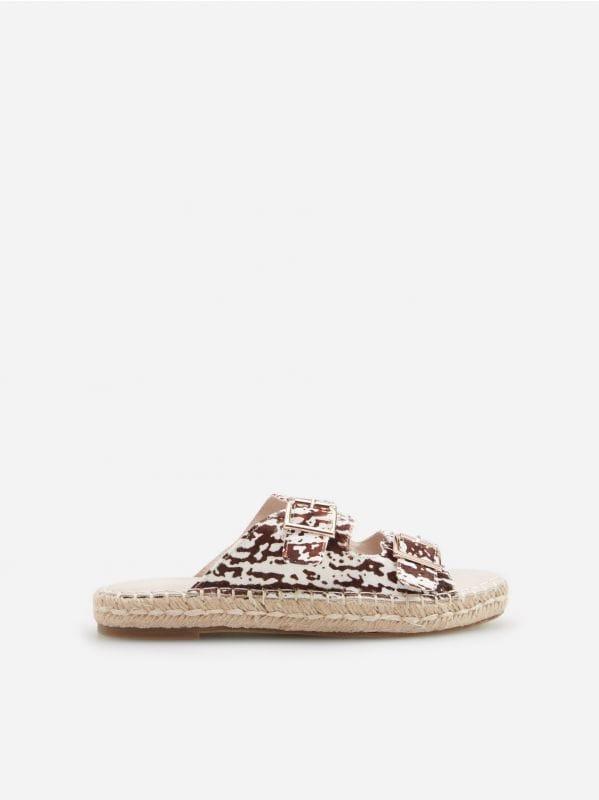 c0dd996eac1c Sandále na vysokom opätku · DÁMSKE SANDÁLE - béžová - VR768-80X - RESERVED