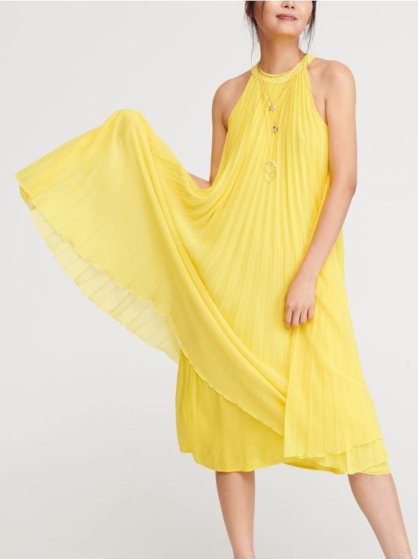 62c2bb7c1f5ca0 Sukienka z żabotem · Plisowana sukienka - żółty - XE389-11X - RESERVED